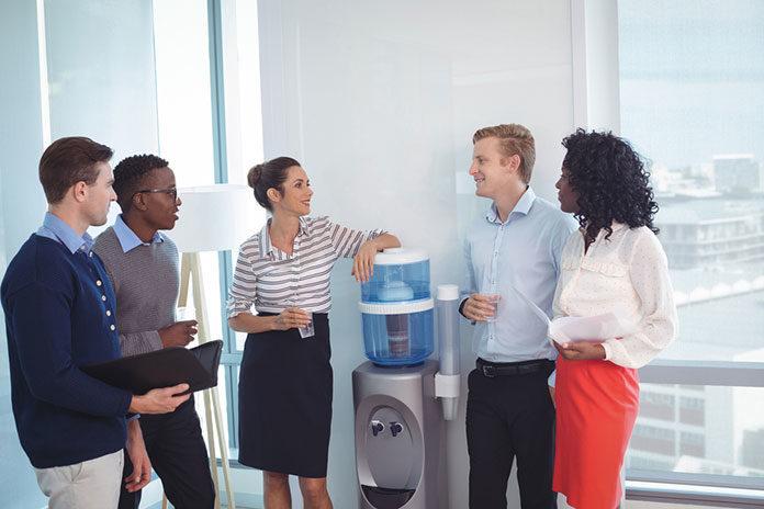 Ergonomiczna dostawa wody w firmie