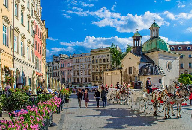 Dlaczego warto pracować i mieszkać w Krakowie?