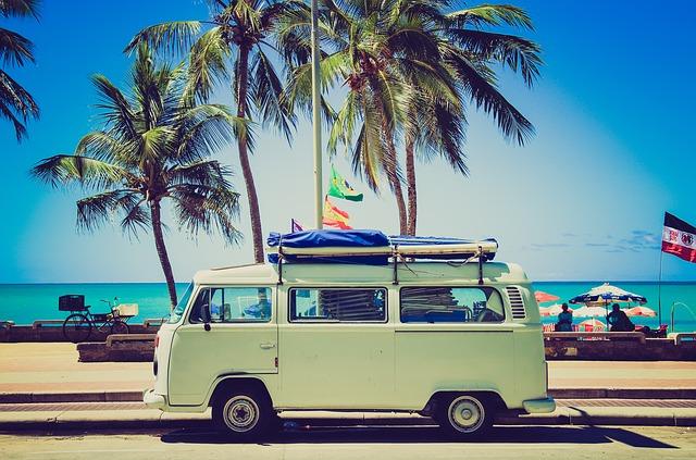 Jak zorganizować wakacje nad morzem z dzieckiem?