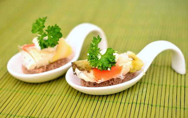 Kuchnia molekularna, czyli kreatywność na talerzu. Na czym polega?