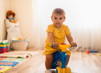 jaki jeździk niemowlęcy wybrać?