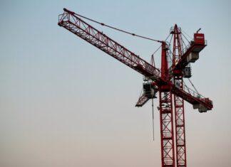 praca jako operator żurawia budowlanego
