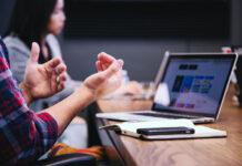 Dlaczego warto zdecydować się na outsourcing płac i kadr